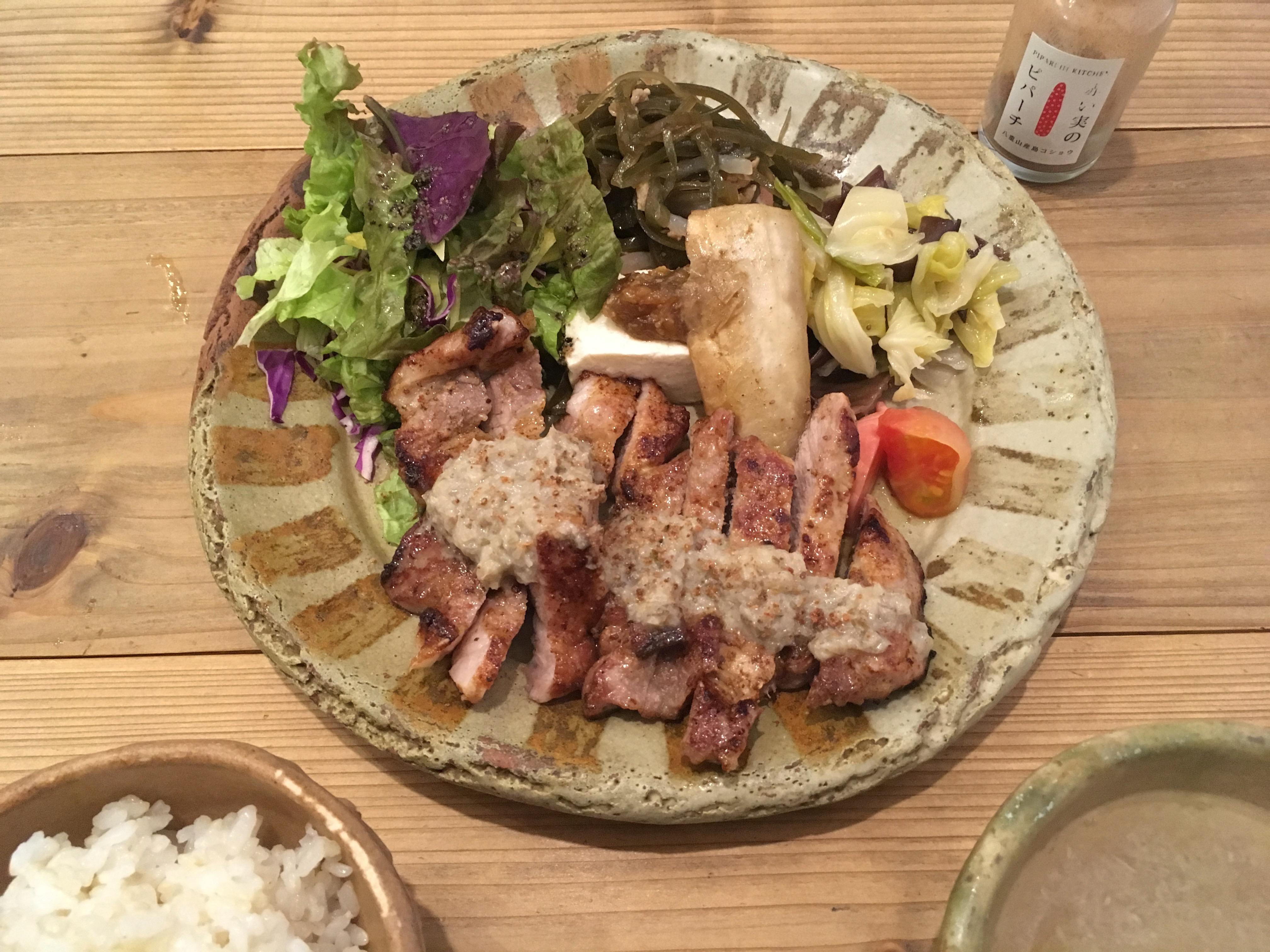ピパーチキッチンの県産豚肩ロースのステーキ